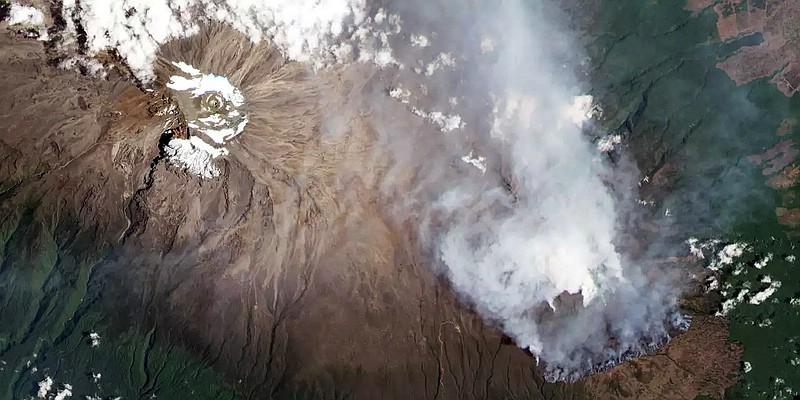 2020-10-14 Kilimanjaro Feuer aus dem All vom Sentinel-2