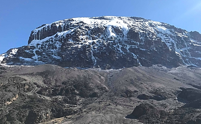 Datei:2018 Kilimanjaro Southern Icefield.jpg