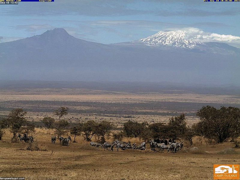 Datei:2015 09 18 10-40 Webcam Kanzi Camp800px.jpg