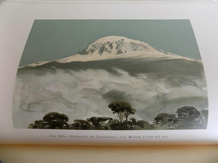 13. Der Kilimandjaro, <br>Prof. Dr. Hans Meyer, Verlag Dietrich Reimer,<br><b>Der Kibo im Neuschnee</b>