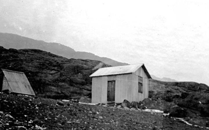 1945 - Die Kibo-Hütte an der Marangu-Route