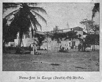 1905 - Die Alte Boma in Tanga. Hier befindet sich das Wandgemälde Kilimandscharo von Wilhelm Kuhnert seit 1892