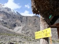 2013 Machame-Route Schild Barranco-Hut GB-Nr 300.jpg
